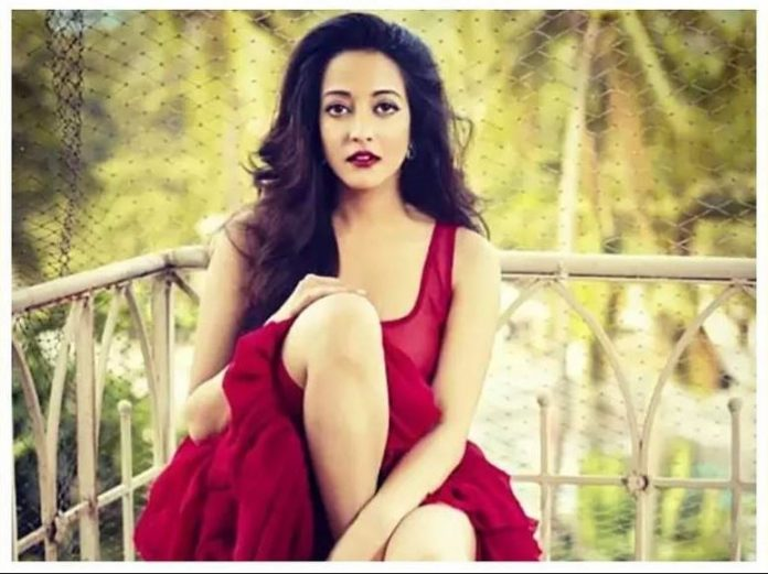 Raima Sen opens up on the nepotism debate in Bollywood